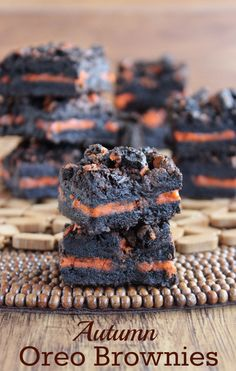 This is really the only thing I need in the world. Autumn Oreo Brownies -Momo