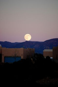 Moon over Santa Fe...