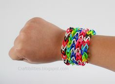 Craftibilities: RUBBER BAND bracelets - Make it {{without}} a loom! TUTORIAL