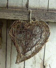 Twig heart  ********************************************  (repin) - #twig #heart #crafts #rustic - ≈√