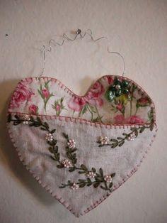 Heart ~ hanging Valentine pocket