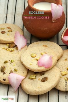 Eggless+Thandai+Cookies+-+an+Indian+recipe+to+celebrate+Holi,+the+festival+of+colours!