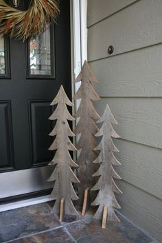 Rustic Wooden Trees - by Mosermade - perfect front porch decorations.  These would look so cute painted or with lights strung around them.