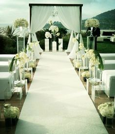 Starry-Eyed for Our Favorite Outdoor Wedding Ceremonies - MODwedding