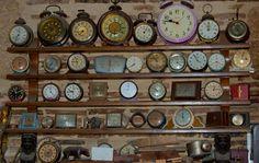CLOCK~Wall of Old clocks