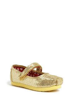 Cute! Gold and sequin flats.