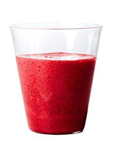 Beet Berry Smoothie | Test Kitchen Tuesday - Fruit smoothie recipe - Ninja Blender Recipes - #ninjablender #ninjablenderrecipes