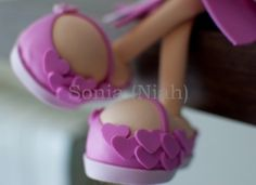 love the detail on these shoes, but site has MANY fun foam doll projects on it