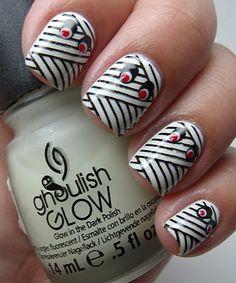 Mummy nails that glow in the dark!