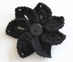 Here goes a free pattern for a Croco-Flower.   ☀CQ #crochet #crafts #DIY