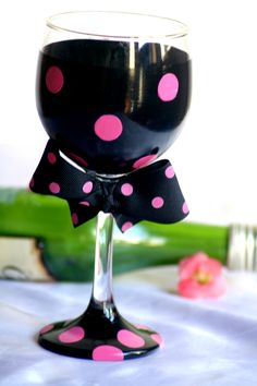Hand painted black and hot pink polka dot wine glass with detachable bow! MADE IN THE USA http://jbeedesigns.com/store/WsDefault.asp?One=118