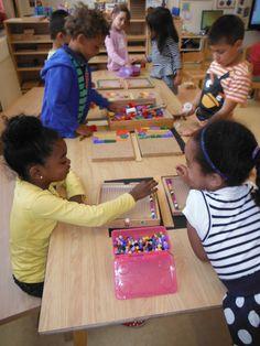 Ontwikkelingsmateriaal voor kleuters on pinterest pattern blocks montessori and onderwijs - Scheiding houten ...