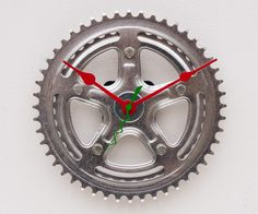 recycled Bike crank clock; idea for the hubby, bs