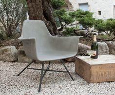 Laid-Back Concrete Armchairs