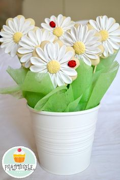 daisies cookies bouquet   Cookie Connection