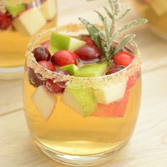 Apple Cider and Cranberry Sangria #christmas #thanksgiving