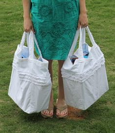 ruffled grocery bag (using old sheets and pillowcases!) tutorial