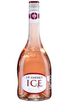 Vin aromatisé et rosé sur glace : deux tendances de l'été parfaites au