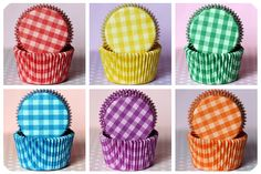 gingham baking cups: cupcakes!
