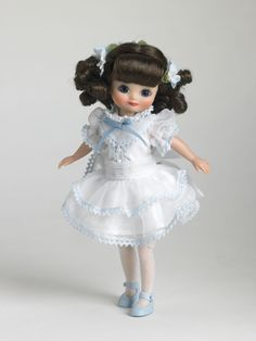 2006 - Betsy Visits Orchard House | Tonner Doll Company