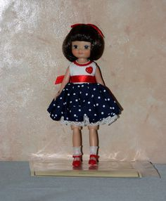 2008 - Pretty Little Holiday Betsy | Tonner Doll Company...Betsy McCall