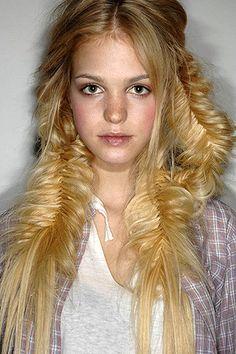 fantasy braided hairstyles. // #HAIR #HAIRSTYLE #BRAID #BLONDE_HAIR #LONG_HAIR #CUTE