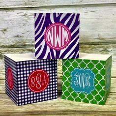 Monogram Sticky Note Cube with Custom Design - http://www.thecutekiwi.com/sticky-note-cube-personalized/