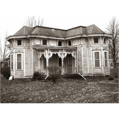 Just give me a beautiful abandoned house. I will restore it and love it. It's too sad to see beautiful homes go to wrack and ruin.