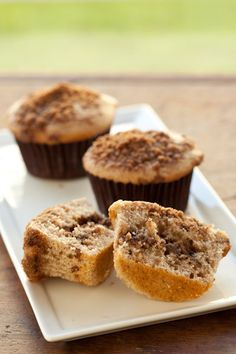 Sour Cream Cinnamon Streusel Muffins