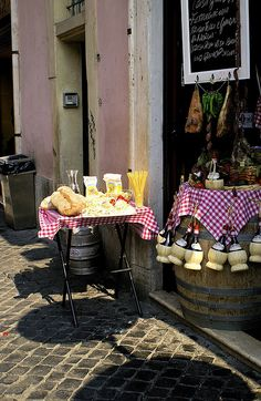 #Irresistibly Italian, Una piccola trattoria romana - Rome, Italy