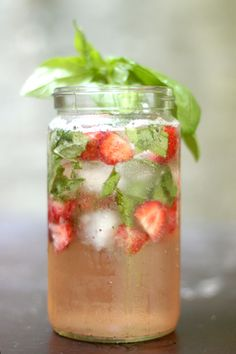 Strawberry Basil Bourbon Spritzer Recipe Makes 1 cocktail 1 ½ ounces Bourbon whiskey ½-1 cup strawberries, halved or sliced 6-8 basil leaves, torn, plus for garnish Sparkling water Place the strawberries and basil in the bottom of a large glass. Muddle with a large spoon and top with the whiskey. Stir to combine and fill the glass with ice cubes. Top with sparkling water then garnish with basil leaves. Cheers!