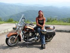 Do you want to find another single biker girl or guy who can share the road with you? Then Bikerkiss.com is on the top of the list for you to find your perfect riding companies. http://www.bikerdatingsite.org/2015/06/bikerkisscom-dating-website-for-biker.html