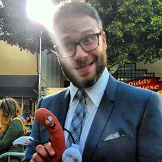 Hey Frank! Show us your best #SethRogen impression! Follow us on snapchat (regalmovies) for more #behindthescenes of the #SausageParty #redcarpet!
