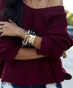 off-the-shoulder sweater. Burgundy knitwear is big for winter !