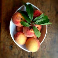 Bourbon-Poached Peaches www.7b9b.com