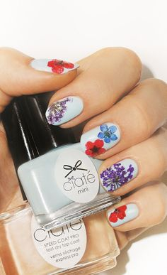 Pressed flowers nail art