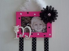 Little girl's bow holder! Love this idea! I don't have use for this now...but maybe several years down the road.