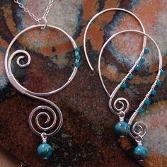 I LOVE wire jewelry! So cute!