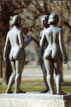 The Three Nymphs / Les Trois Nymphes (1938), designed by Aristide Maillol, Carousel Gardens, Tuileries, Paris I
