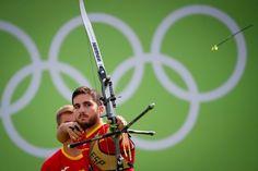Juan Rodríguez Liébana de España, en un momento de la competición de tiro con arco en el Sambódromo en Río de Janeiro.