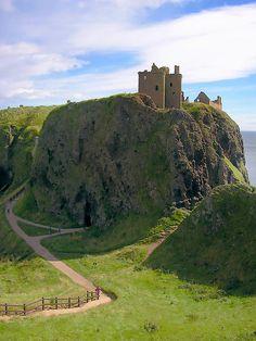 Dunnottar Castle near Stoneheaven, Scotland