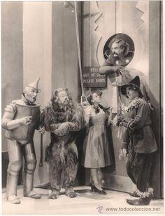 JUDY GARLAND FRANK MORGAN RAY BOLGER BERT LAHR JACK HALEY THE WIZARD OF OZ ORIGINAL SPANISH PHOTO