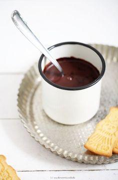 Heisse Schokolade mit Nutella-Infusion