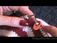 How to Make Jogless Stripes in Circular Knitting on youtube (by Knit Purl Hunter): Fantastic tip – and so simple too!