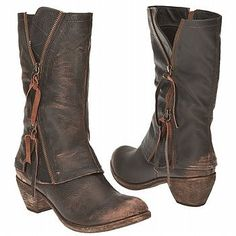 Rugged brown boots w zipper & cowgirl style heel... I want!!!