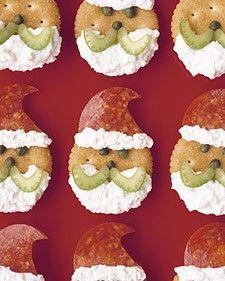 Christmas appetizers http://www.freefunchristmas.com/christmas-recipes/christmas-santa-crackers/