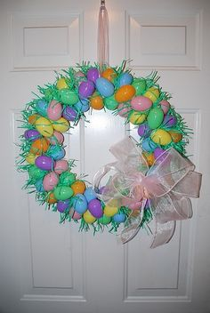 Easter wreath tutorial. #Easter #Wreath