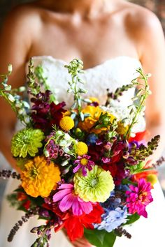 Love all the bright and bold colors in this bouquet!