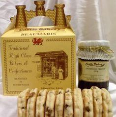 Wesh cakes & strawberry jam Gift box