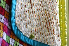 Tutorial for a faux chenille blanket. Must make!